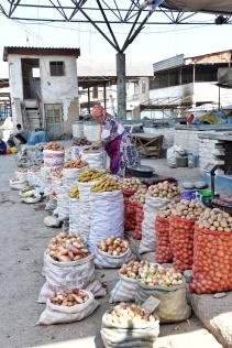 Kartoffeln ohne Ende am Markt in Osh