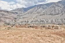 typisch kirgisischer Friedhof in Kyzyl-Oi