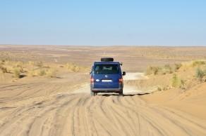 mitten durch die Wüste zum Gaskrater