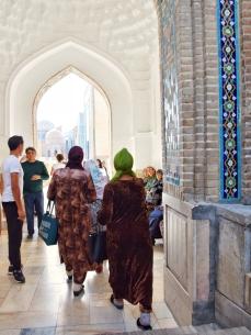 Touristen ohne Ende in der Gräberstadt Schah-i-Zinda