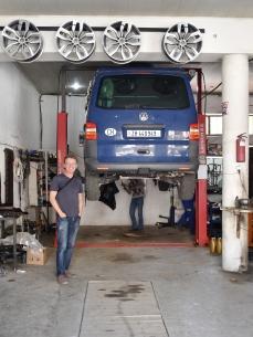 da kommt Freude auf, wenn Bussi einen Ölwechsel bekommt