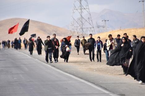 Pilger auf dem Weg nach Mashhad. Haben noch ein gutes Stück vor sich