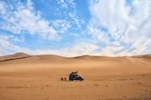 direkt vor den Sanddünen