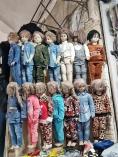 weiss nicht, was ich cooler finde, die Klamotten oder die Puppen