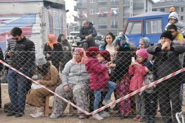 Zuschauer beim Kamelwrestling